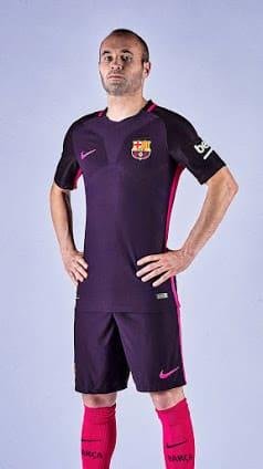 maillot-exterieur-fc-barcelone-2016-2017-iniesta