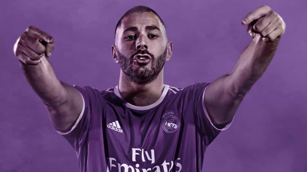 maillot-exterieur-real-madrid-2016-2017-benzema
