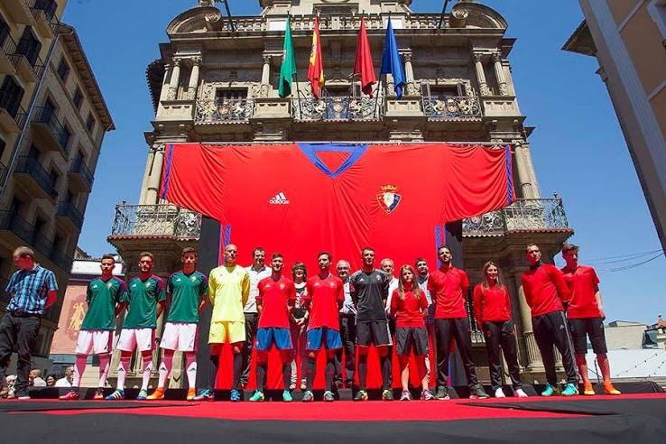 http://www.footpack.fr/wp-content/uploads/2016/07/maillot-osasuna-2016-2017.jpg
