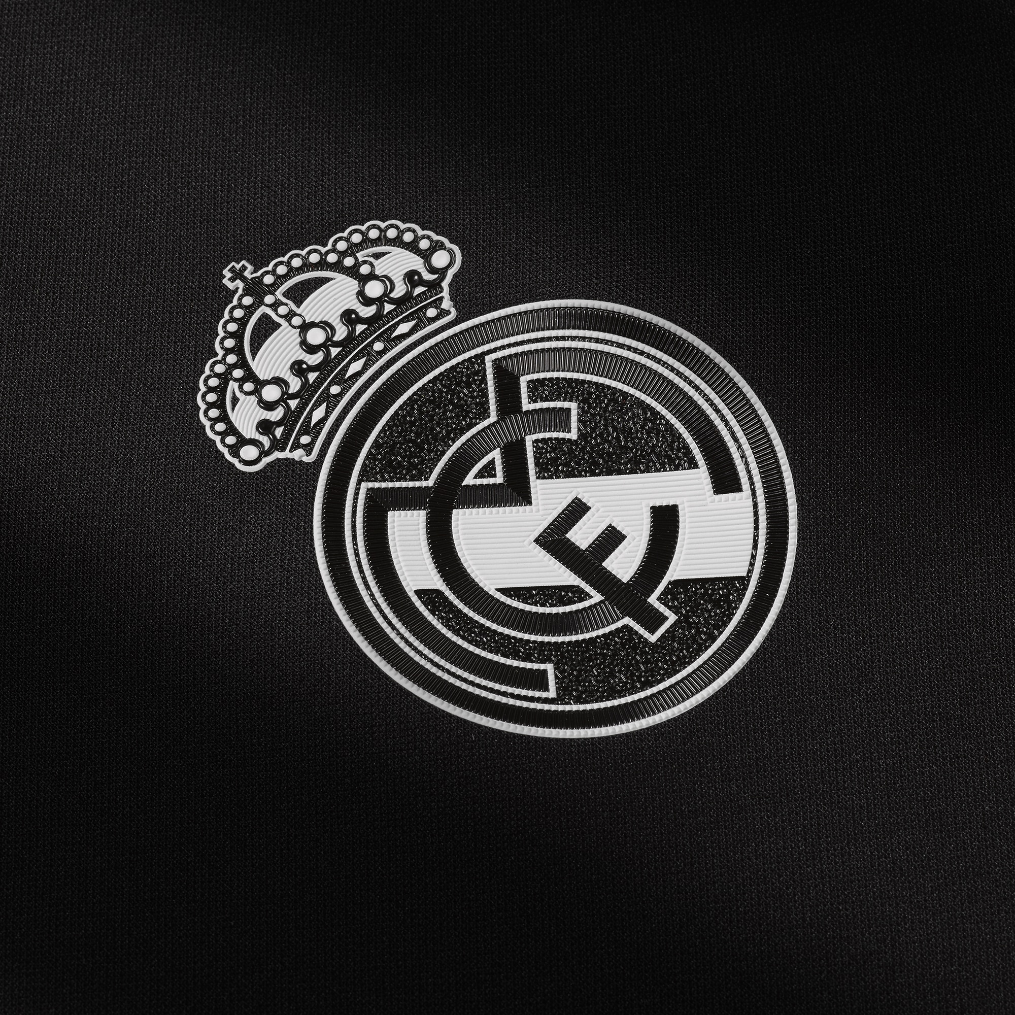 maillot-third-real-madrid-2016-2017-details-logo