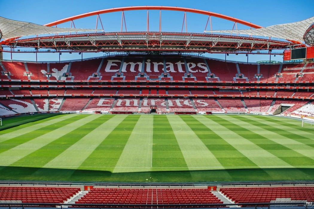 http://www.footpack.fr/wp-content/uploads/2016/08/au-stade-benfica-lisbonne-stade-de-la-luz-adidas-4-1050x700.jpg