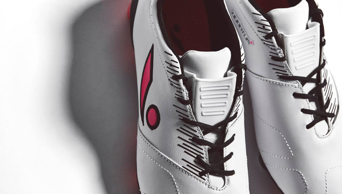 chaussure-football-Concave-Quantum-white-pink-1