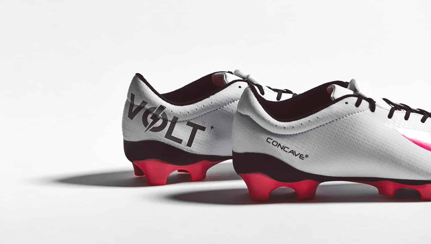 chaussure-football-Concave-Quantum-white-pink-4
