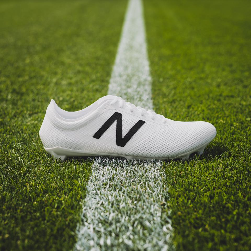 chaussure-football-new-balance-furon-noir-blanc-2016-3