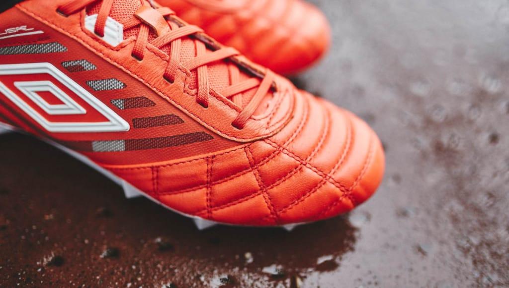 chaussure-football-umbro-medusae-grenadine-4