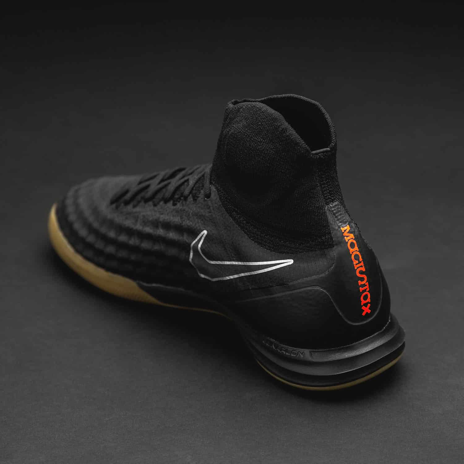 chaussures-football-Nike-MagistaX-II-Proximo-Pitch-Dark-1