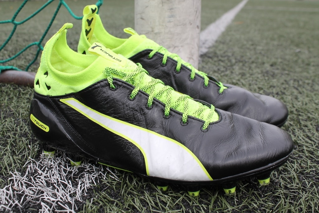 http://www.footpack.fr/wp-content/uploads/2016/08/chaussures-football-Puma-evoTOUCH-Pro-10-1024x683.jpg