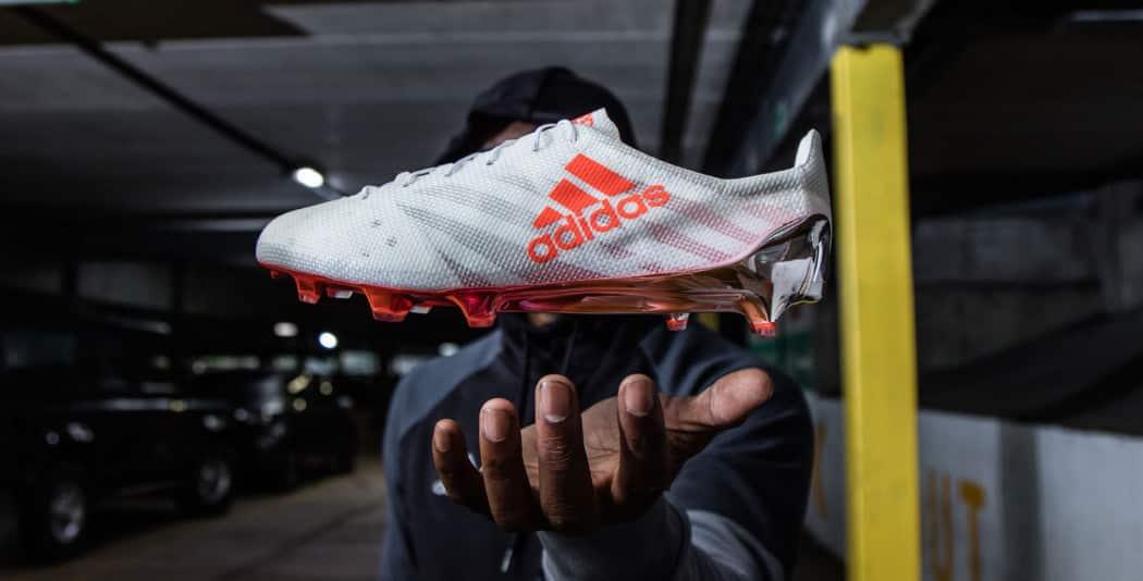 http://www.footpack.fr/wp-content/uploads/2016/08/chaussures-football-adidas-x-16-1-99g-1-1050x534.jpg