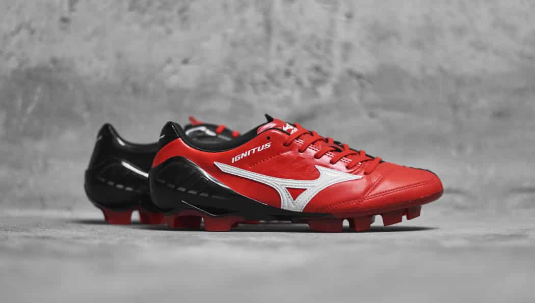 http://www.footpack.fr/wp-content/uploads/2016/08/chaussures-football-mizuno-wave-ignitus-high-risk-red-8-1050x595.jpg