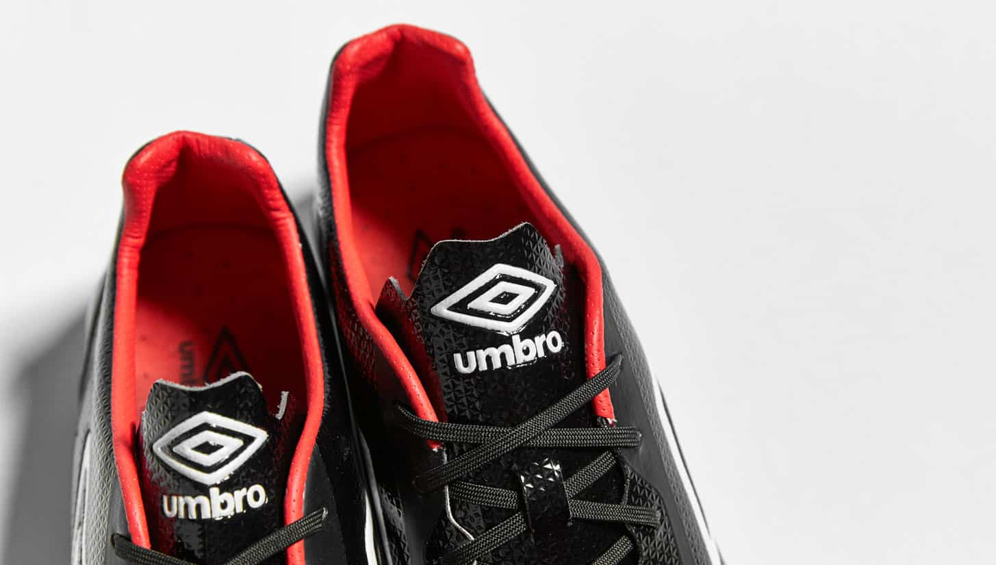 chaussures-football-umbro-velocita-2-noir-grenadine-3