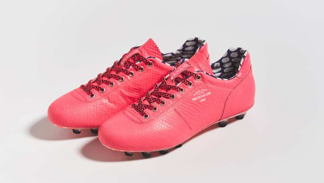 http://www.footpack.fr/wp-content/uploads/2016/09/chaussures-football-pantofola-doro-python-pink-img2-1050x595.jpg