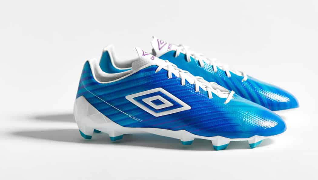 http://www.footpack.fr/wp-content/uploads/2016/09/chaussures-football-umbro-velocita-blue-img2-1050x595.jpg