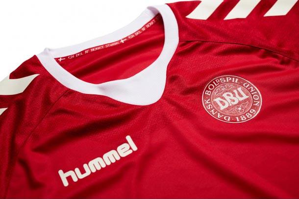 maillot-danemark-domicile-2016-hummel-logo