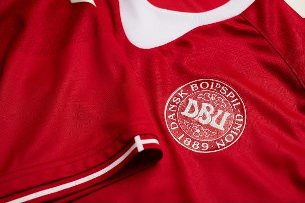 maillot-danemark-domicile-2016-hummel-logo2