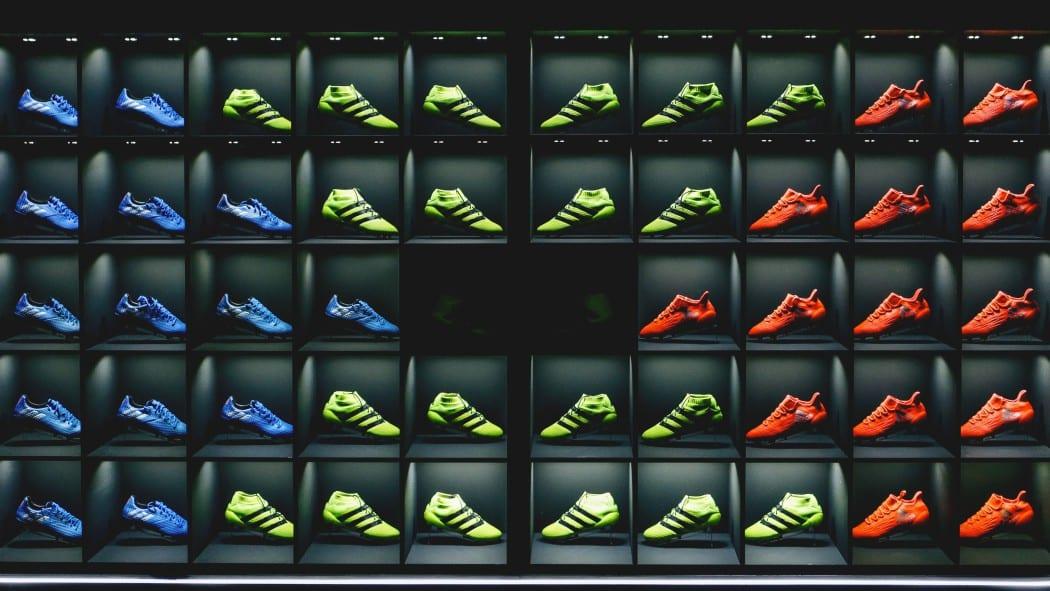 http://www.footpack.fr/wp-content/uploads/2016/09/stadium-of-lights-palais-brongniard-adidas-7-min-1050x591.jpg