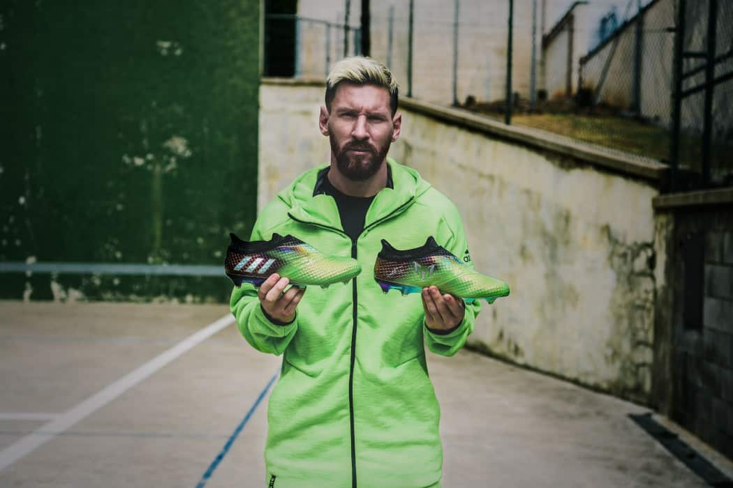 http://www.footpack.fr/wp-content/uploads/2016/10/chaussure-football-adidas-messi-16-edition-limitee-octobre-2016-1050x700.jpg