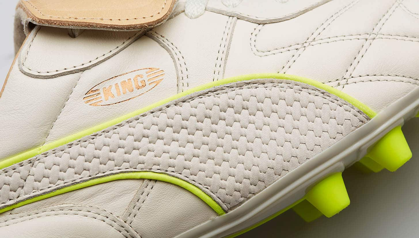 chaussures-football-puma-king-made-in-italy-blanc-jaune-img2
