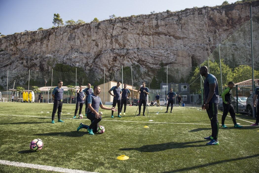 http://www.footpack.fr/wp-content/uploads/2016/10/training-nike-football-aeroswift-magista2-la-turbie-as-monaco-2-1050x700.jpg