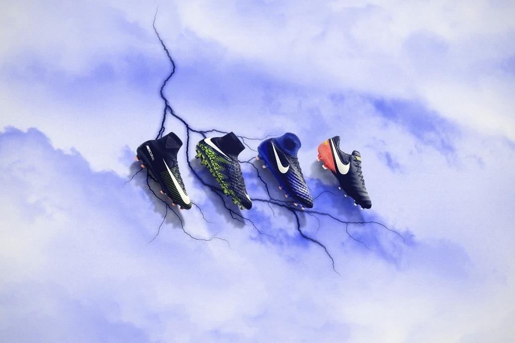 http://www.footpack.fr/wp-content/uploads/2016/11/Nike-Dark-Lightning-Pack-img1-1024x683.jpg