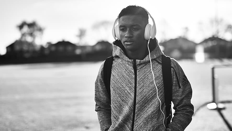 adidas-hoodie-zne-travel-img4