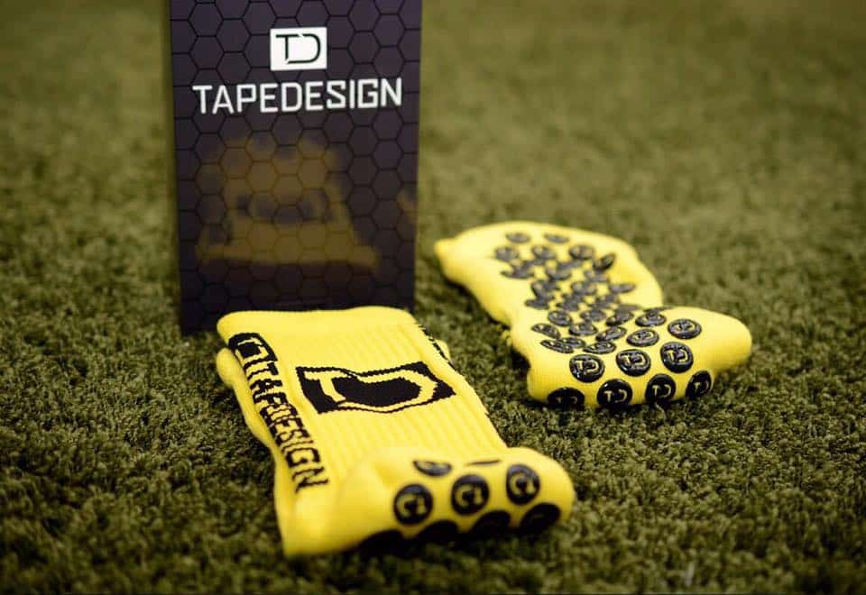 http://www.footpack.fr/wp-content/uploads/2016/11/chaussette-football-Tape-Design-img1.jpg