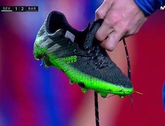 La chaussure de Messi casse en plein match !