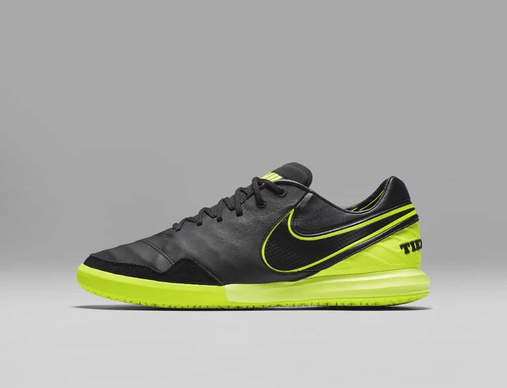 chaussures-football-nike-tiempox-dark-lightning-img1-1024x784