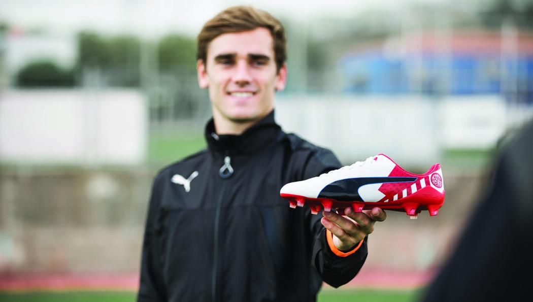 http://www.footpack.fr/wp-content/uploads/2016/11/chaussures-football-Puma-evospeed-derby-fever-antoine-griezmann-img2-1050x595.jpg