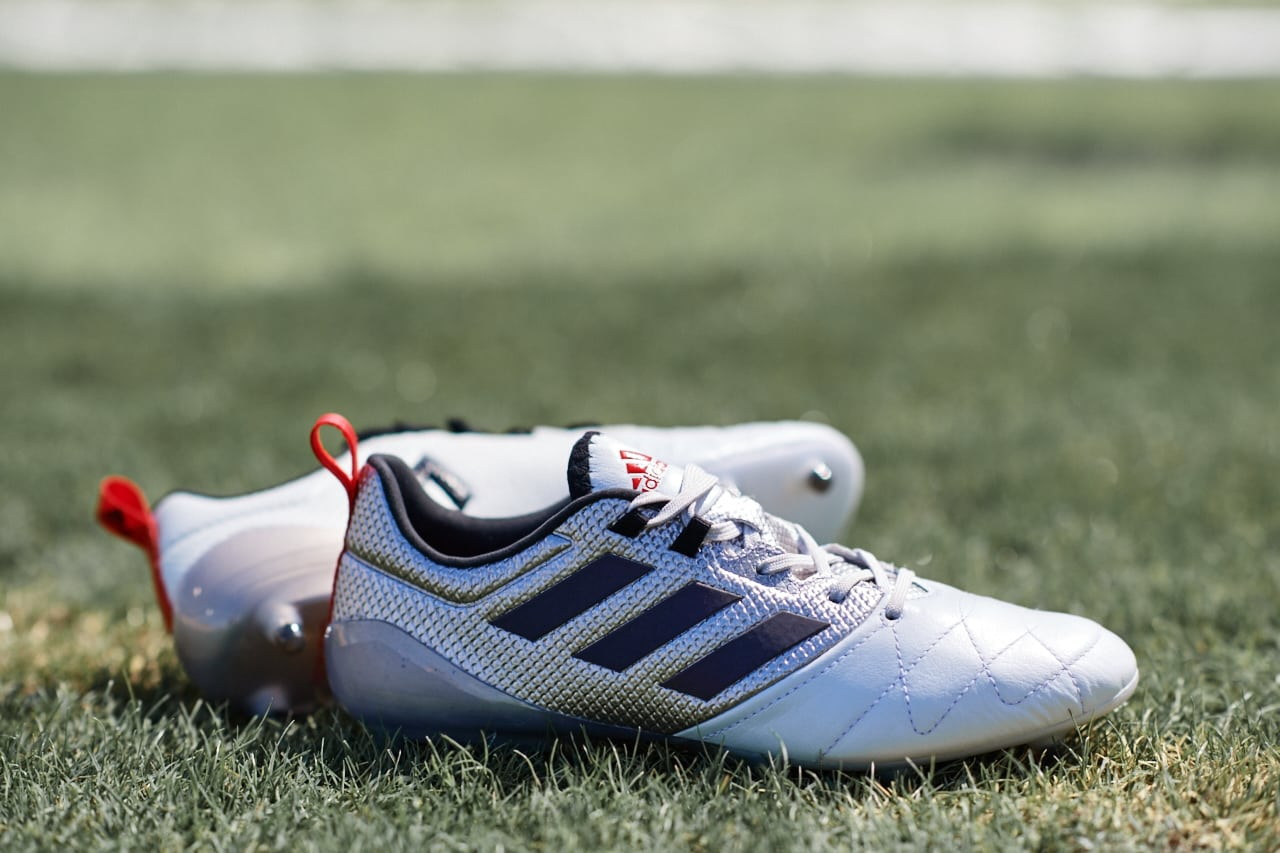 chaussures-football-adidas-mettalic-shimmer-ace-16-img2
