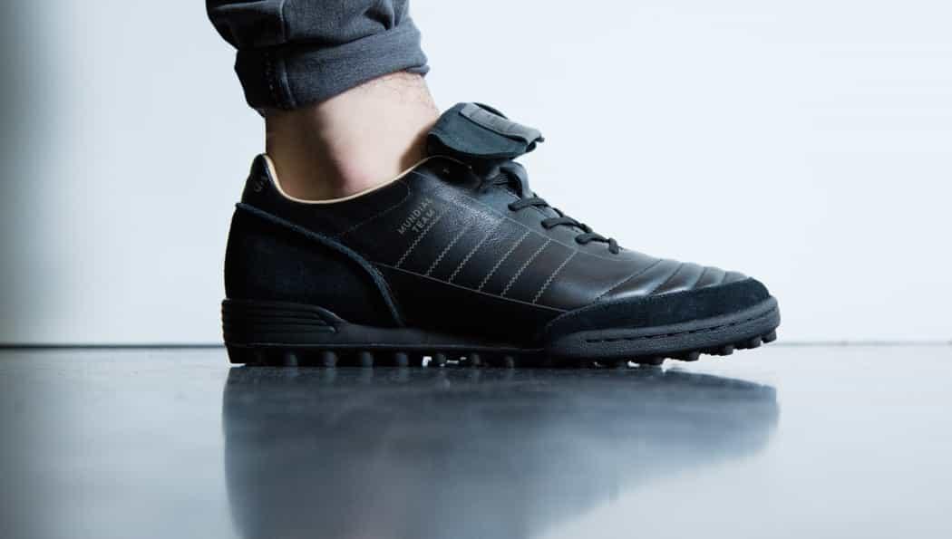 http://www.footpack.fr/wp-content/uploads/2016/11/chaussures-football-adidas-copa-mundial-team-modern-craft-img1-1050x595.jpg