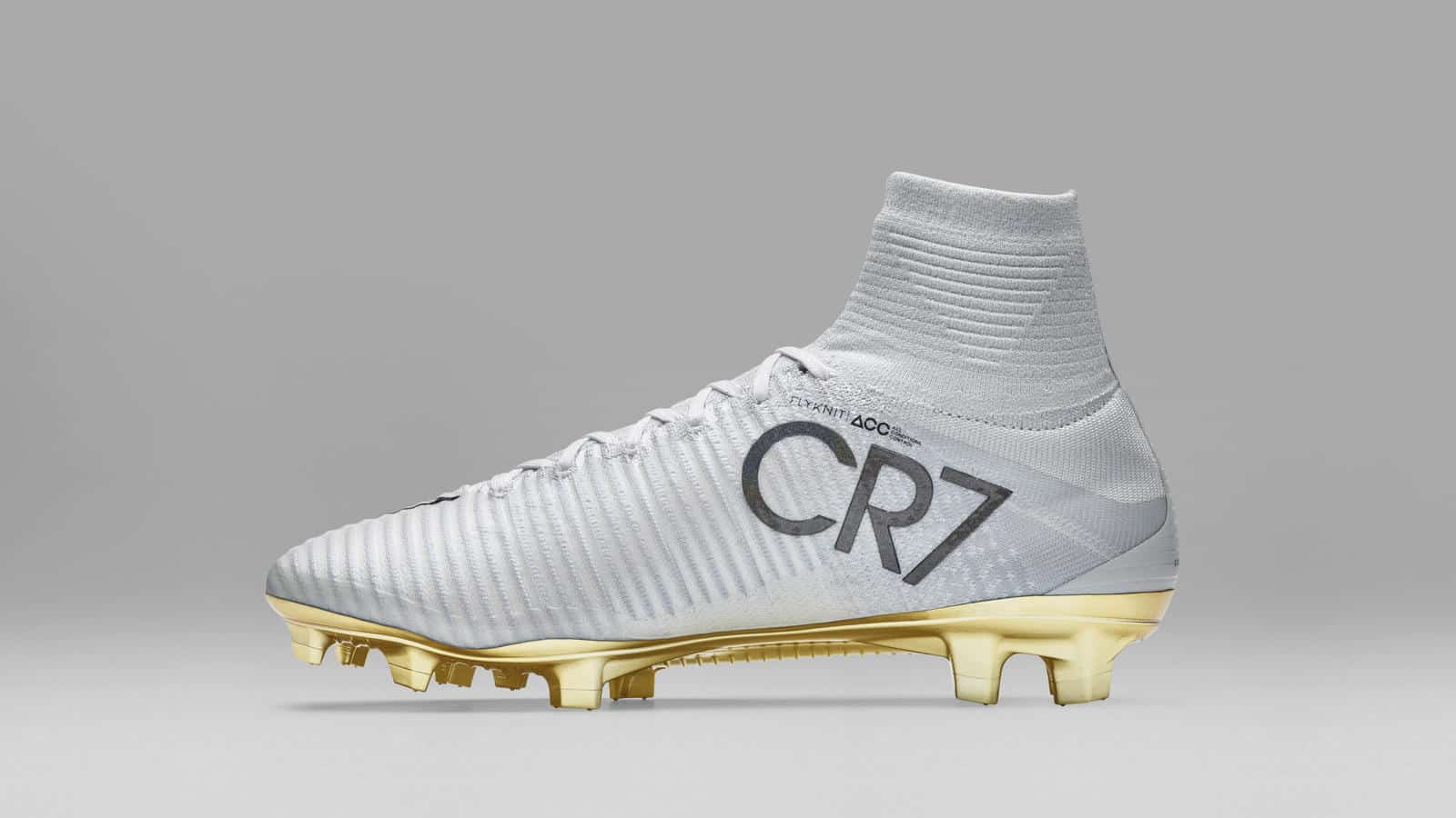 chaussure-foot-nike-mercurial-superfly-cr7-ballon-or- ...