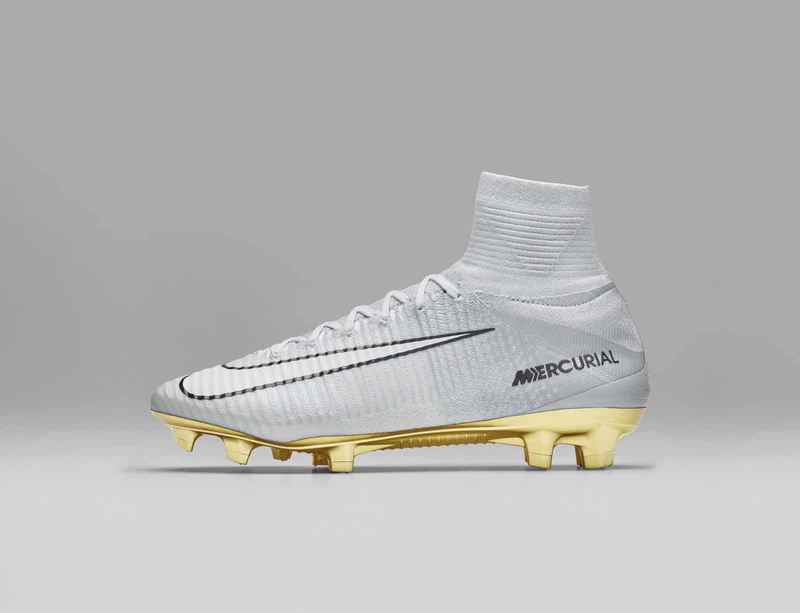 chaussure-foot-nike-mercurial-superfly-cr7-ballon-or-2016
