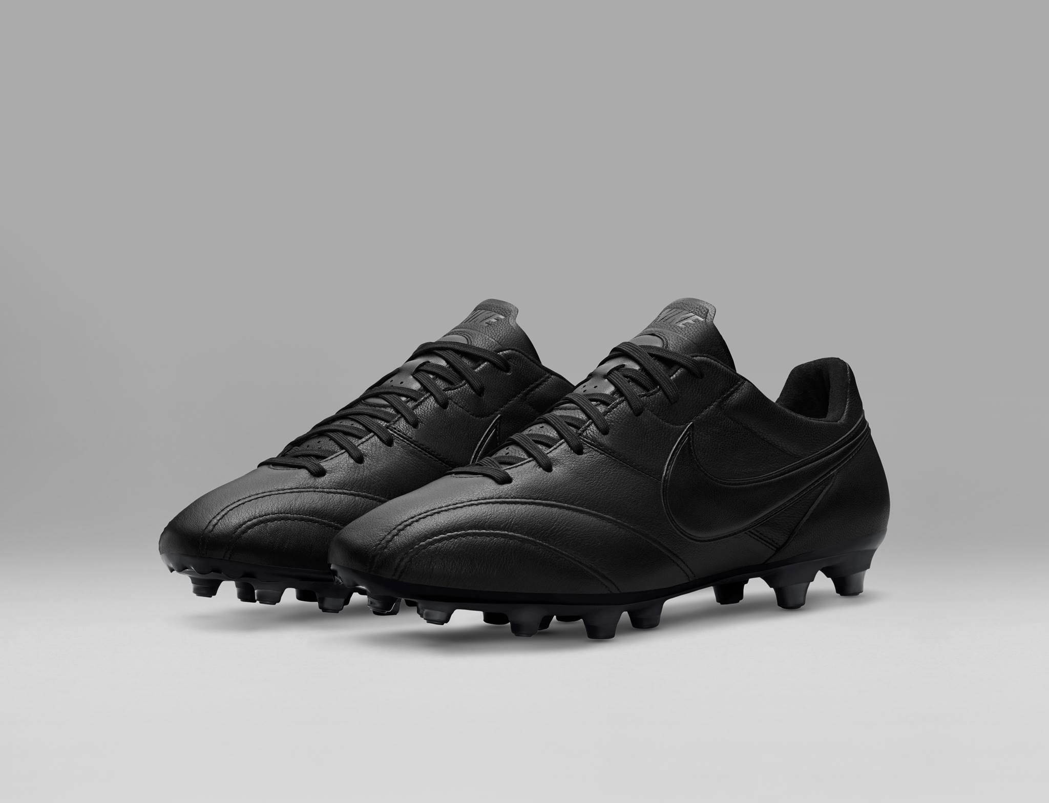 chaussure-football-nike-tiempo-premier-blackout