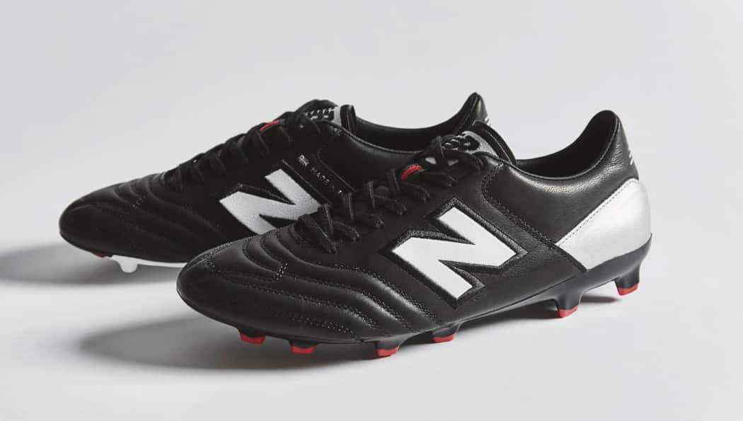 http://www.footpack.fr/wp-content/uploads/2016/12/chaussures-football-New-Balance-MiUK-img10-1050x595.jpeg