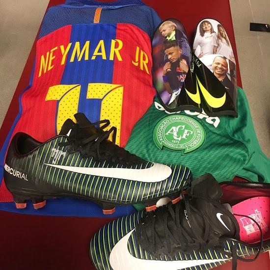 neymar-mercurial-vapor-x-dark-lightning-img3
