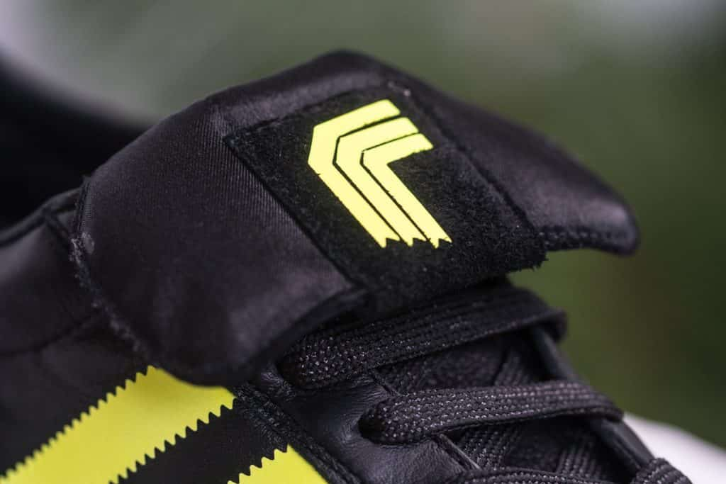 sneakers-adidas-copa-mundial-custom-red-ribbon-recon-boot-img1