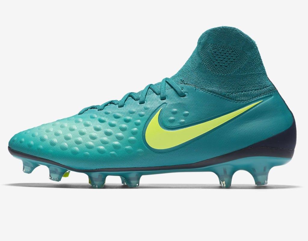 chaussure-de-football-a-crampons-pour-terrain-sec-magista-orden-ii-pour