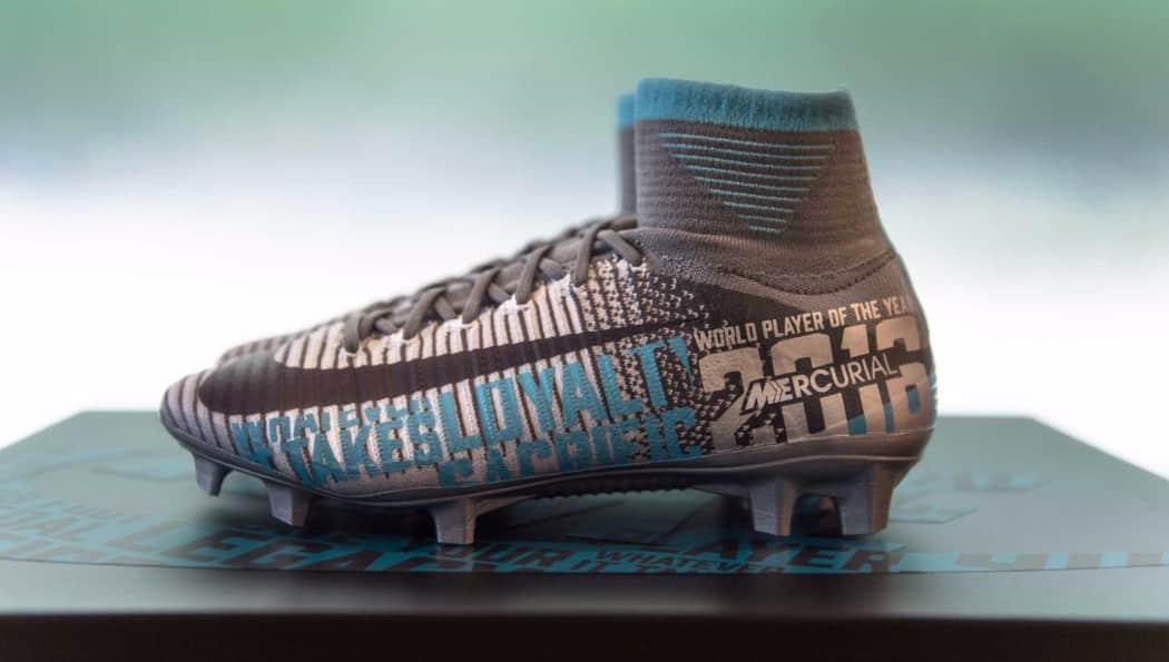 http://www.footpack.fr/wp-content/uploads/2017/01/chaussure-foot-carli-llyod-meilleure-joueuse-fifa-2016-1050x595.jpg