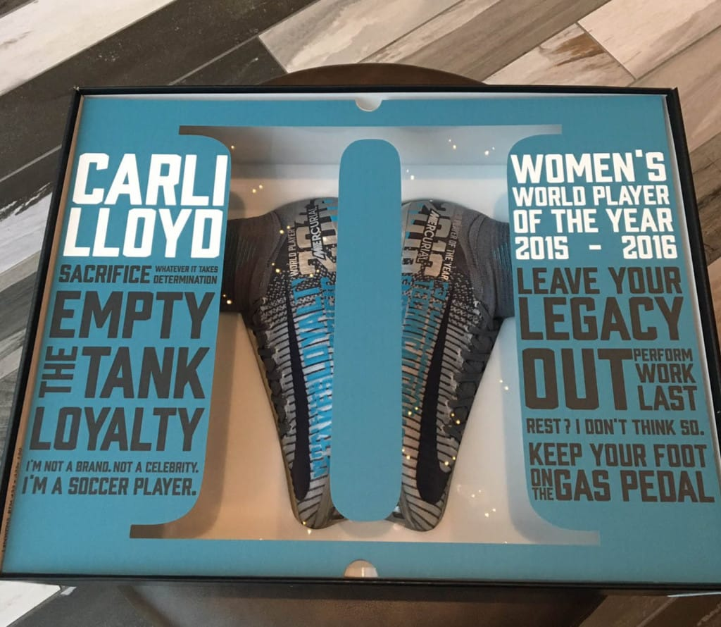 chaussure-foot-carli-llyod-meilleure-joueuse-fifa-2016-2