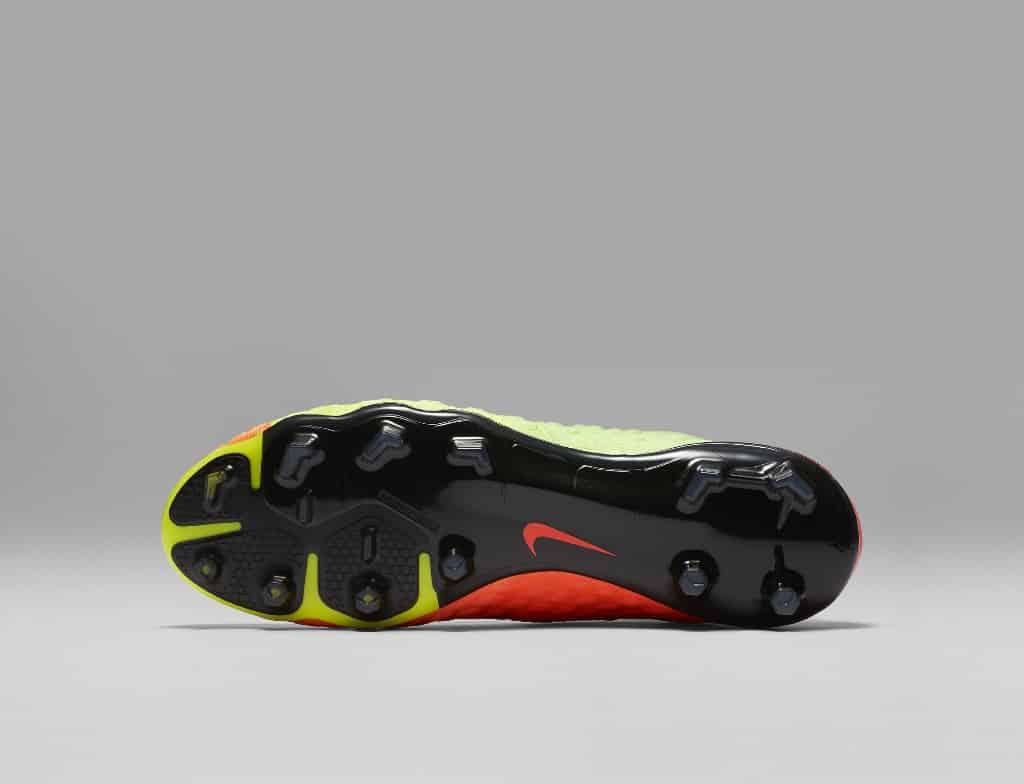 chaussures-football-Nike-Hypervenom-Phantom-III-DF-img4 (1024x784)