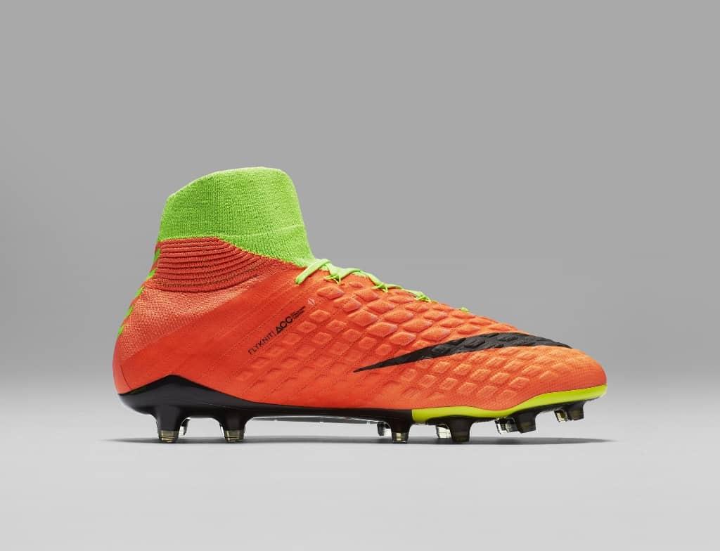 http://www.footpack.fr/wp-content/uploads/2017/01/chaussures-football-Nike-Hypervenom-Phantom-III-DF-img5-1024x784.jpg