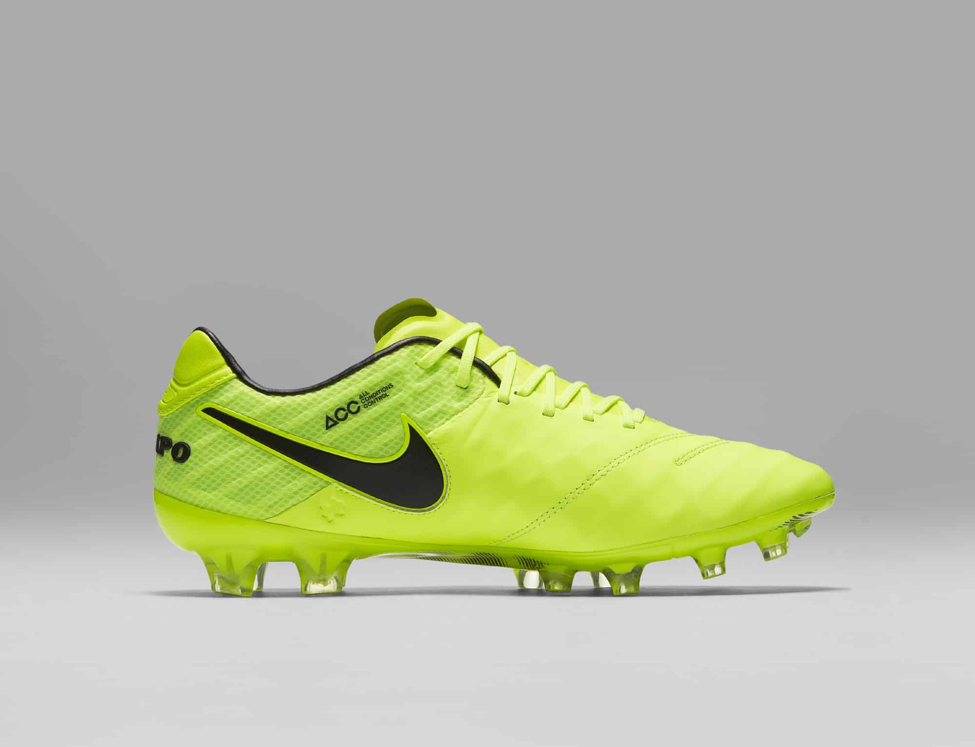 chaussures-football-Nike-Tiempo-Legend-6-Femmes-Women-Radiation-Flare-img1