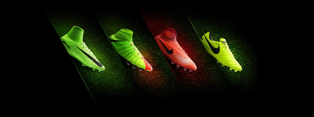 http://www.footpack.fr/wp-content/uploads/2017/01/chaussures-football-Nike-pack-Radiation-Flare-1050x391.jpg