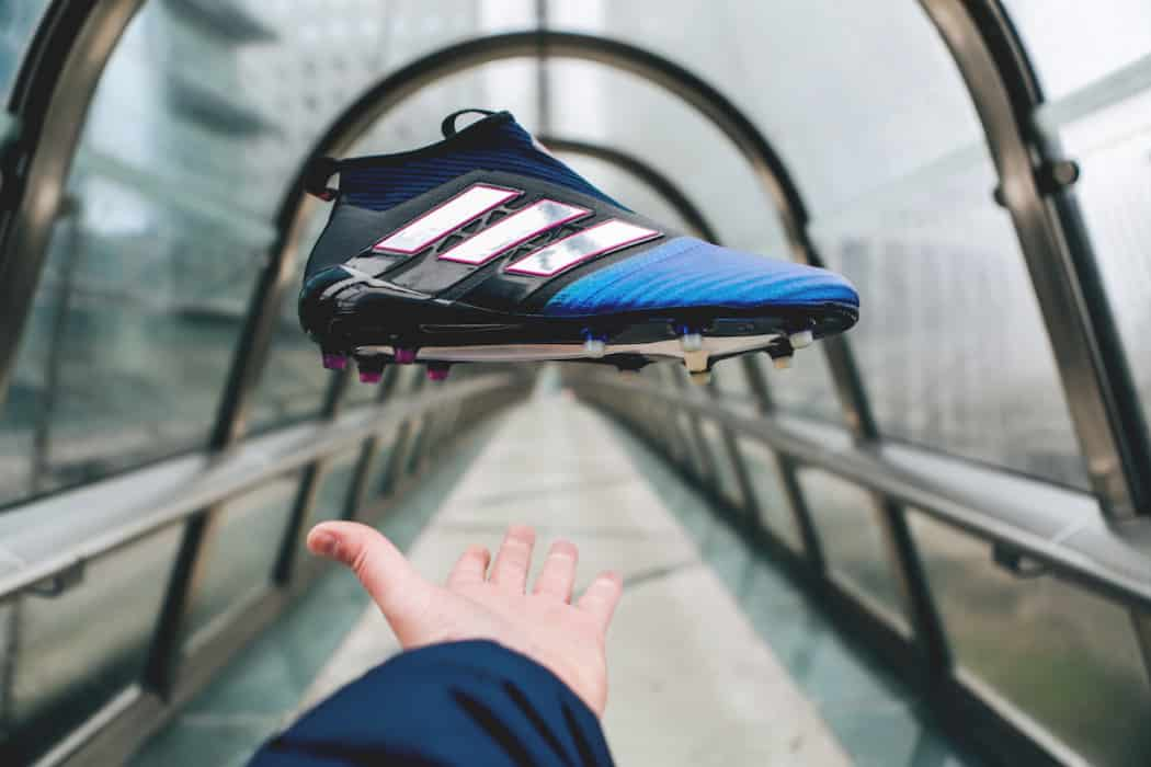 http://www.footpack.fr/wp-content/uploads/2017/01/chaussures-football-adidas-ACE17-Blue-Blast-img39-1050x700.jpg