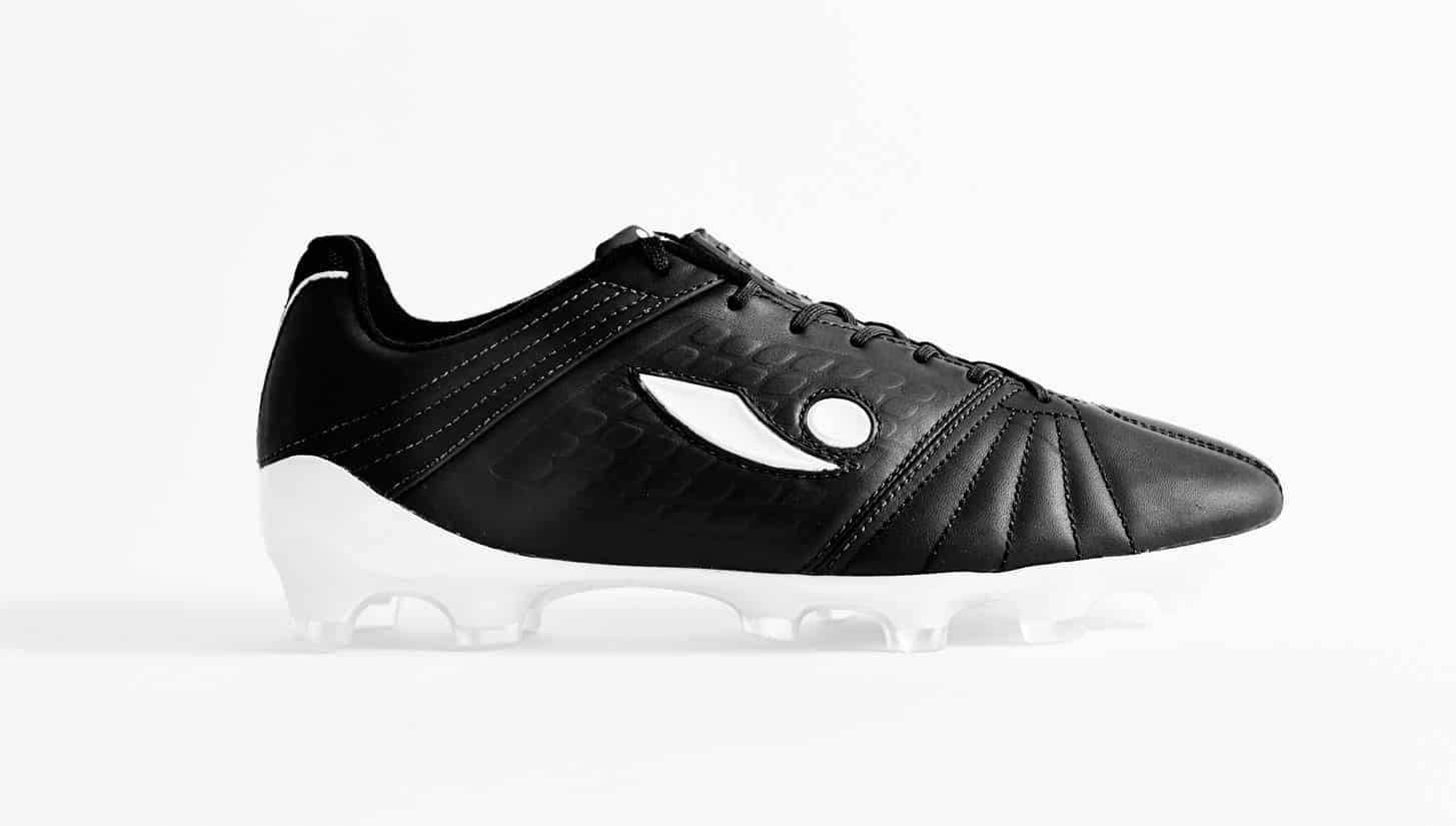 chaussures-football-concave-17-aura-img4