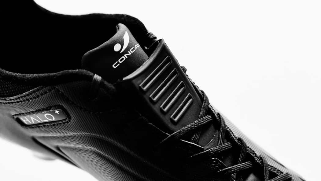 http://www.footpack.fr/wp-content/uploads/2017/01/chaussures-football-concave-17-halo-img1-1050x595.jpg