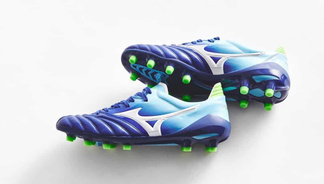 http://www.footpack.fr/wp-content/uploads/2017/01/chaussures-football-mizuno-morelia-neo-II-mazarine-blue-img7-1050x595.jpg