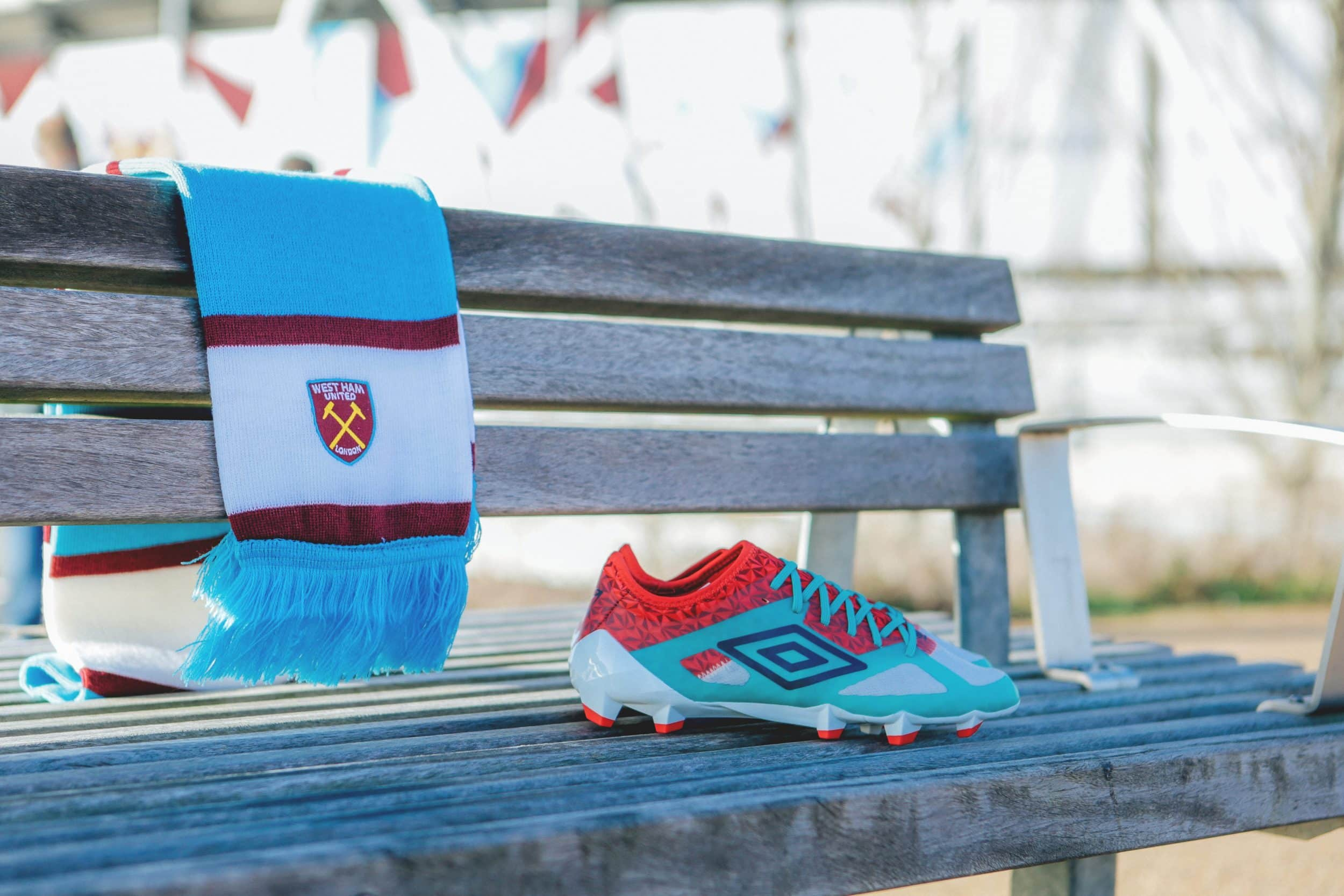 shooting-chaussure-foot-umbro-velocita-3-west-ham-12
