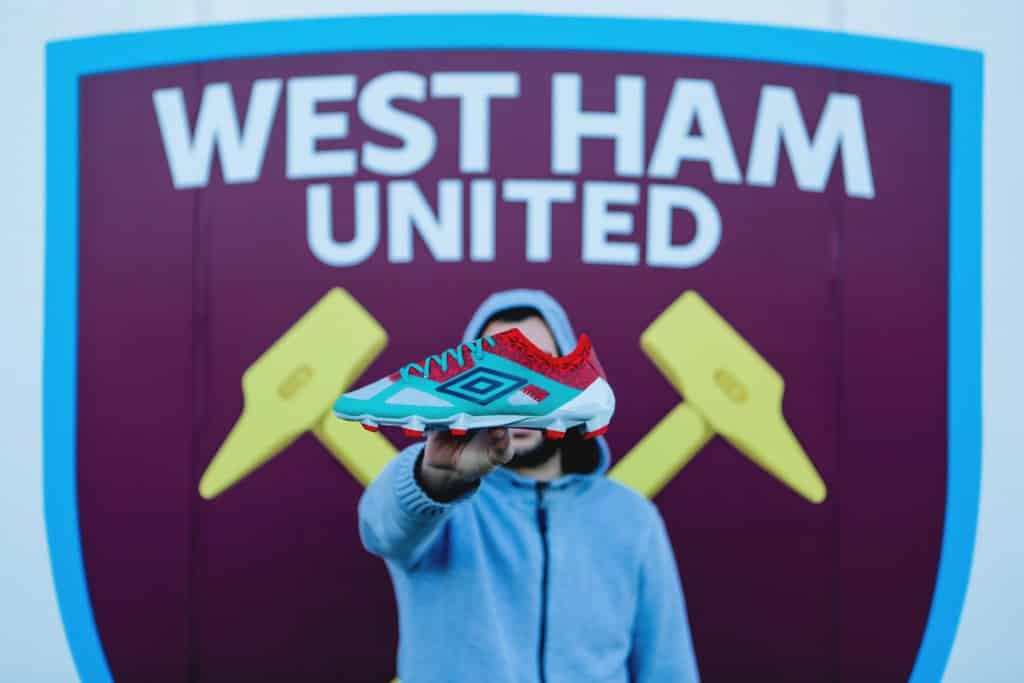 shooting-chaussure-foot-umbro-velocita-3-west-ham-19