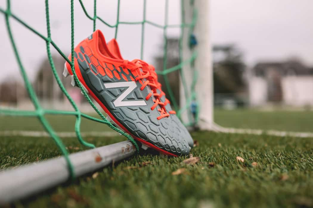 http://www.footpack.fr/wp-content/uploads/2017/02/chaussures-football-New-Balance-Visaro-2-Typhon-img12-1050x700.jpg